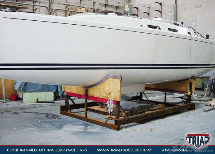 制作 GR-750船架制作 triad-trailers-custom-sailboat-j109-boat-cradle-09.jpg