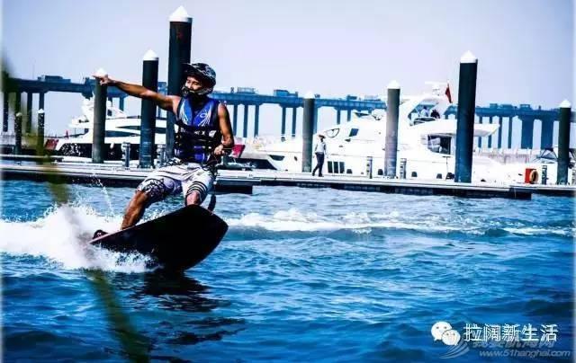 【海上超跑】帅气动力冲浪板 33fa0a8751c8f6cb655a48bbf7c1c9f7.jpg