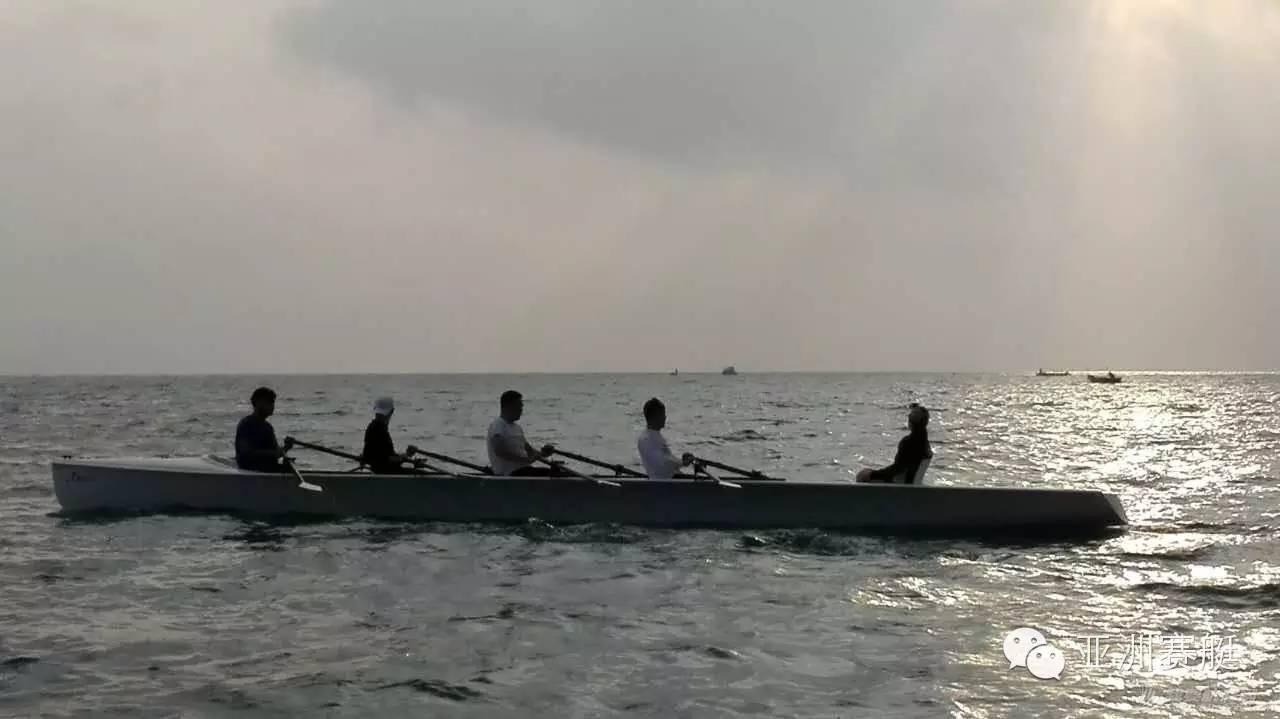 在海浪中划赛艇?王石主席在深圳万科浪骑游艇会体验海岸赛艇Costal Rowing d6d4027c9e30e51f28158d9d32b4d525.jpg