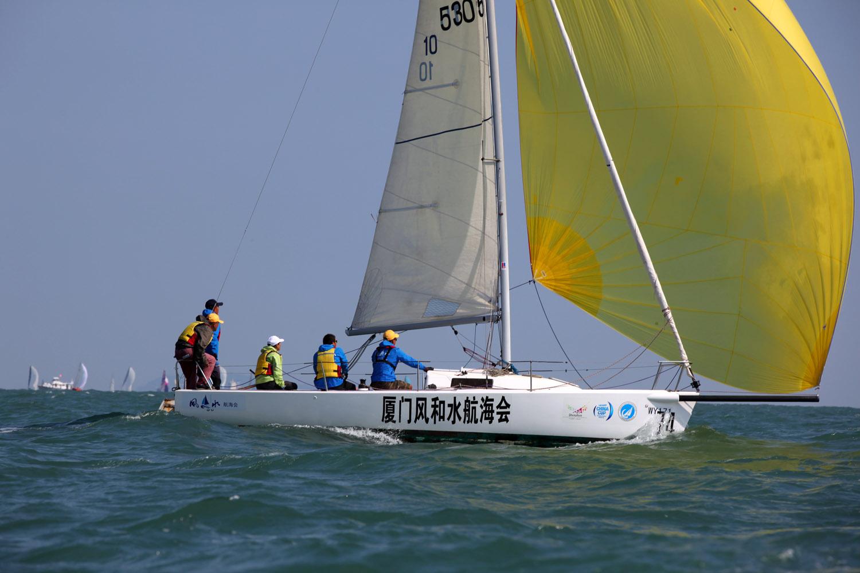 中国,帆船 竞自由帆船队首秀第九届中国杯帆船赛 厦门风和水航海会2015中国杯帆船赛照片