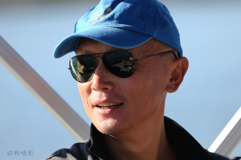 表情,国际,传说,帆船,相机 铁面康裁的多种表情-2015邛海国际帆船赛    田野摄影 2015邛海国际帆船赛裁判康鹏