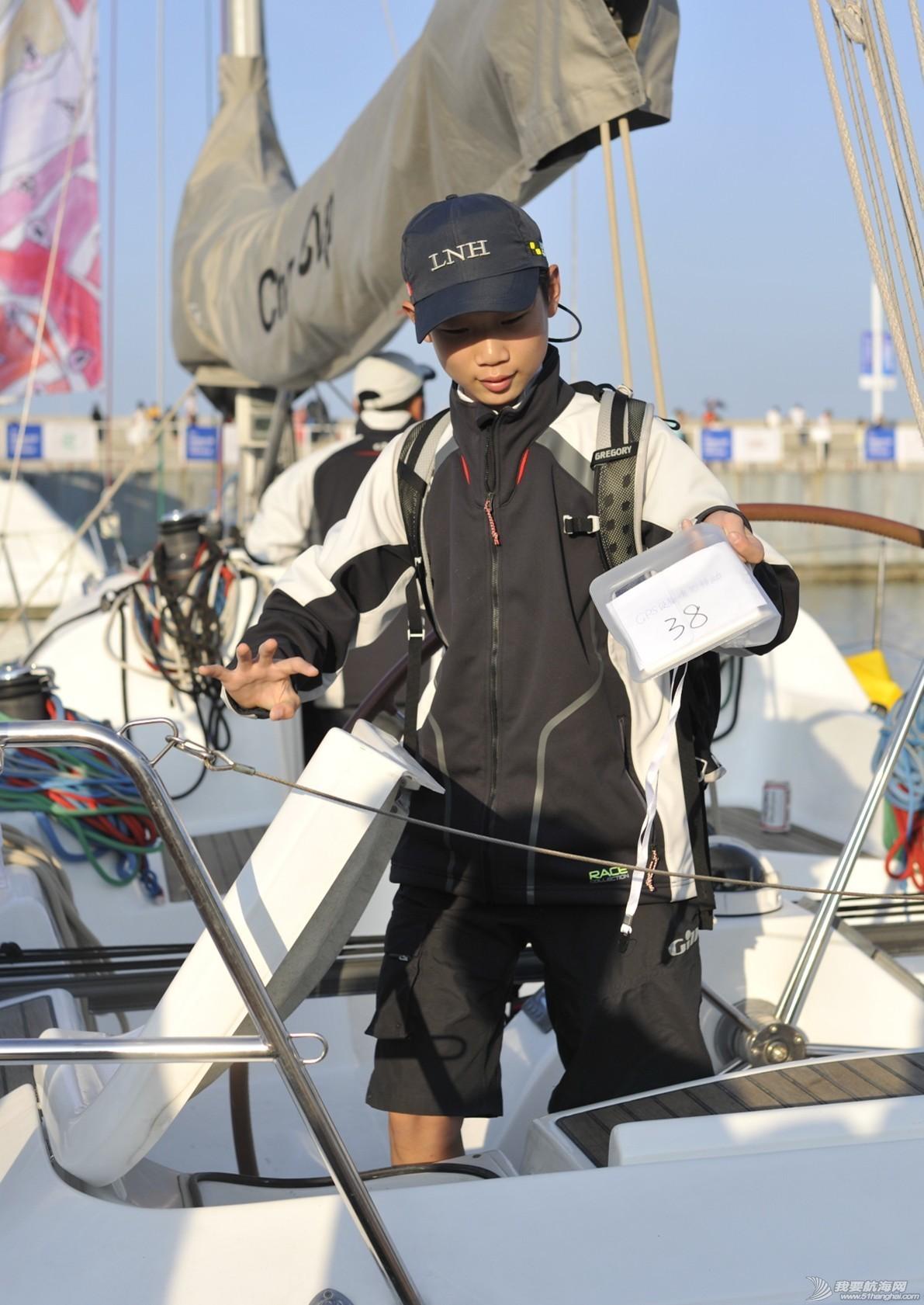 乌拉圭队,奥运冠军,劳力士,国际帆联,本职工作 这个满头银发的水手  在国际帆联当了20年志愿者 a88657974e3682b0a4c1d9a5a3d32d38.jpg