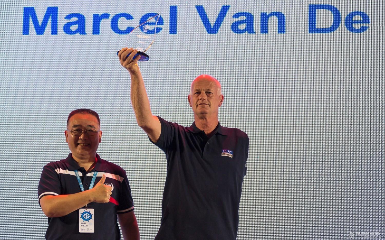 乌拉圭队,奥运冠军,劳力士,国际帆联,本职工作 这个满头银发的水手  在国际帆联当了20年志愿者 caa8b83f3c0a6d17790d5458612457e3.jpg