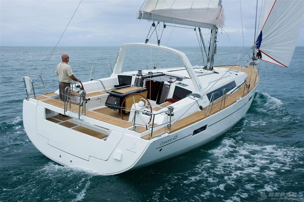 LOGO设计,海马,帆船 独爱博纳多的小海马——帆船品牌LOGO设计真的很重要 45-at-sea.jpg
