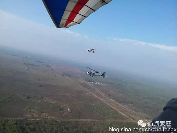 第一个飞到澳洲土著岛屿的中国飞行员 100ccc62258a745b9c9b34c2964011c0.jpg