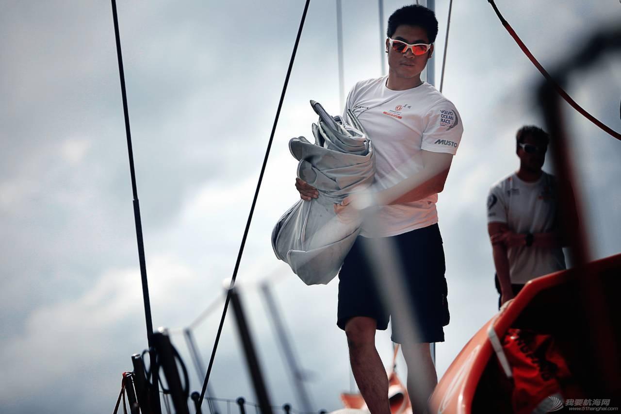 他为何甘愿做无名英雄?《游艇汇》专访东风队船员刘明,讲述你不知道的沃帆赛 fa3e7afe35dfa9c1c033f72fbe09f501.jpg