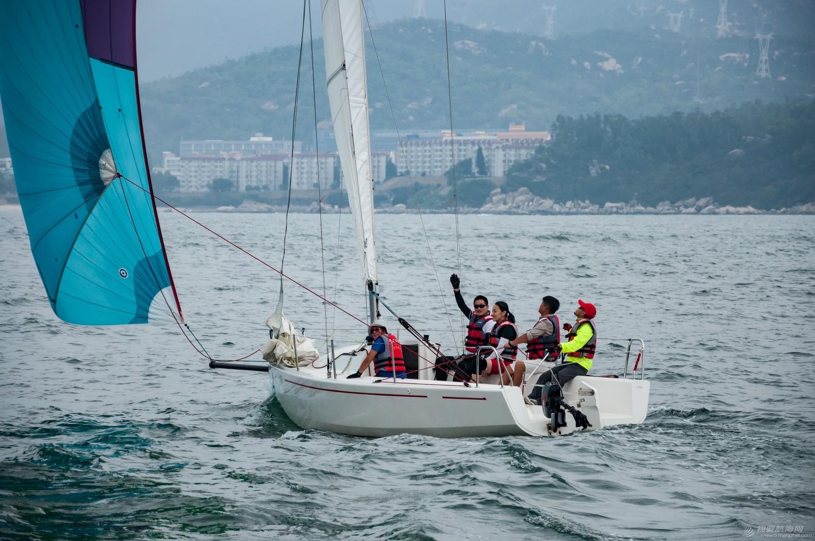 【2015大鹏杯帆船赛】51航海网船队在比赛中 s004.jpg
