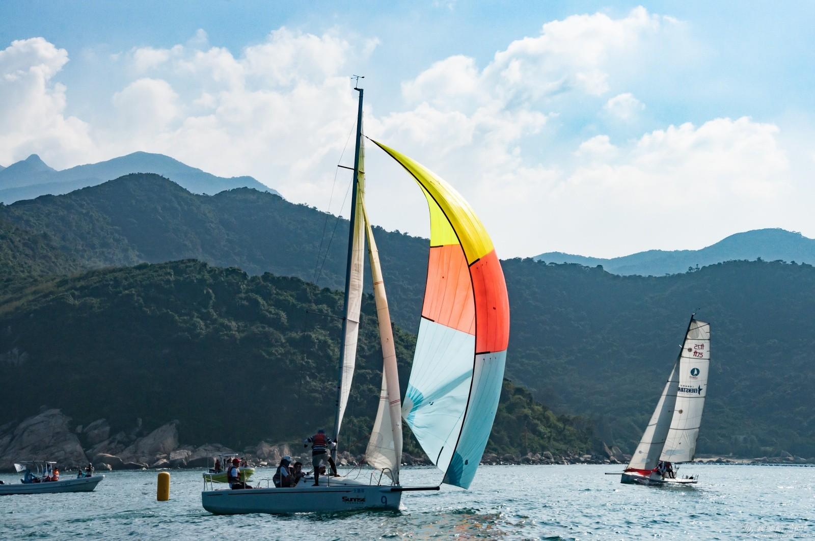 【2015大鹏杯帆船赛】51航海网船队在比赛中 s008.jpg