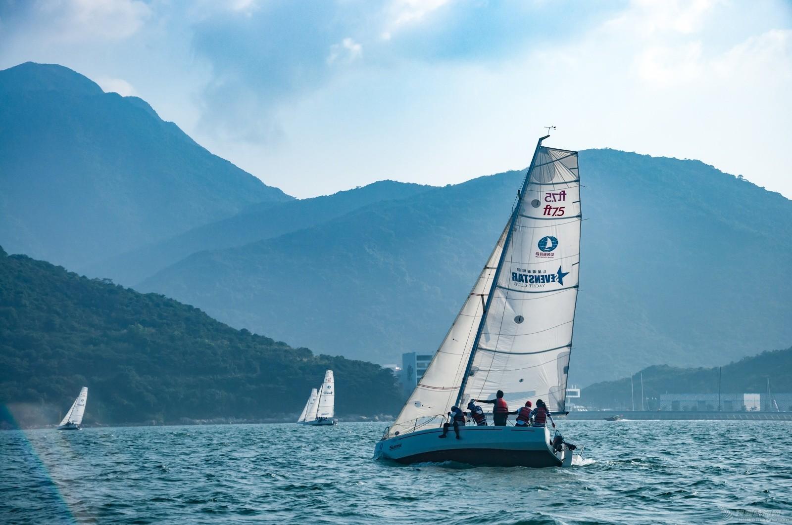 【2015大鹏杯帆船赛】51航海网船队在比赛中 s012.jpg