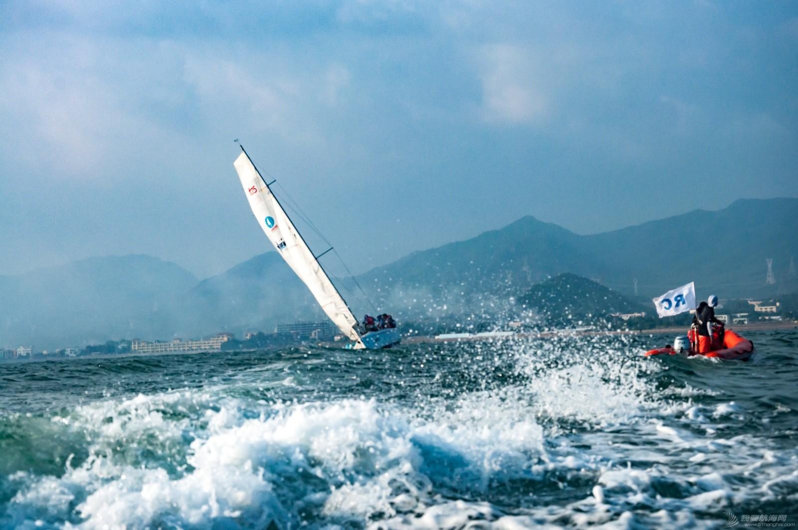 【2015大鹏杯帆船赛】51航海网船队在比赛中 s015.jpg