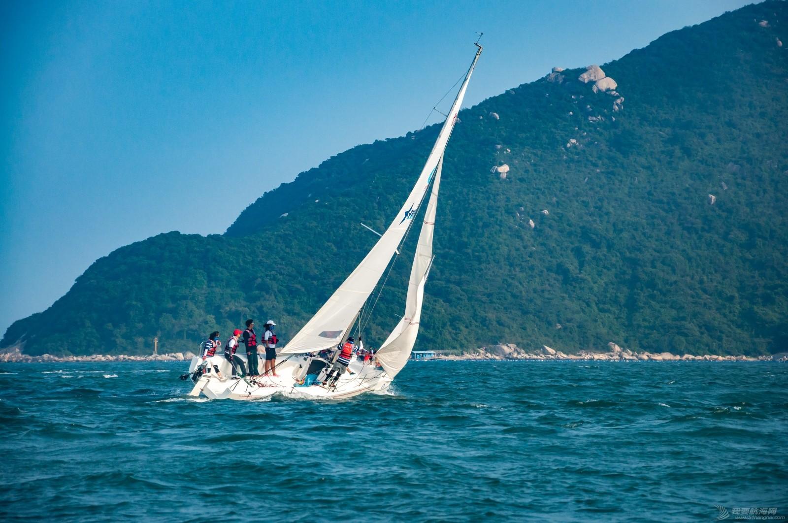 【2015大鹏杯帆船赛】51航海网船队在比赛中 s018.jpg