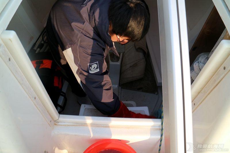 志愿者 我的志愿者生活023:冬天也要把船刷地白白地 120805.jpg