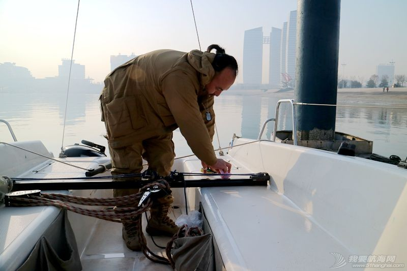 志愿者 我的志愿者生活023:冬天也要把船刷地白白地 120806.jpg