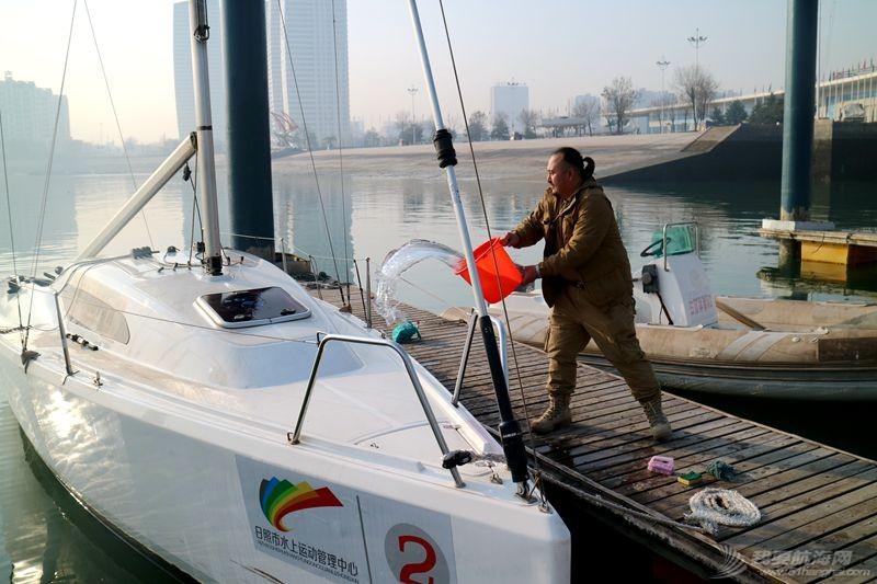 志愿者 我的志愿者生活023:冬天也要把船刷地白白地 120810.jpg