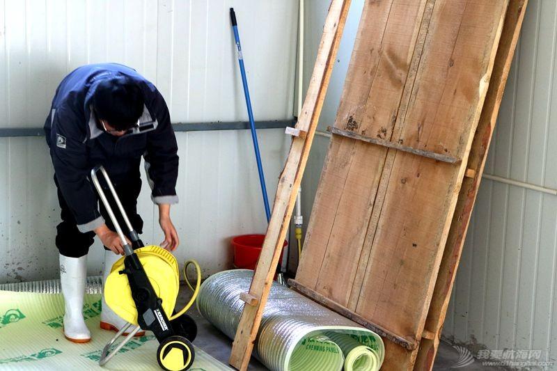 志愿者 我的志愿者生活023:冬天也要把船刷地白白地 120801.jpg
