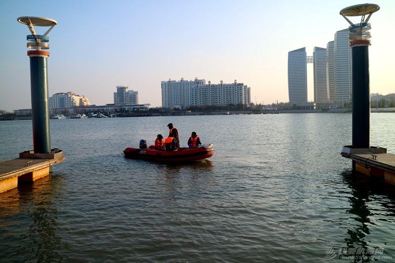 志愿者 我的志愿者生活025:第十一期学员之惊险的进出港练习 121310.jpg