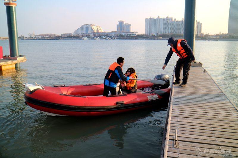 志愿者 我的志愿者生活025:第十一期学员之惊险的进出港练习 121312.jpg
