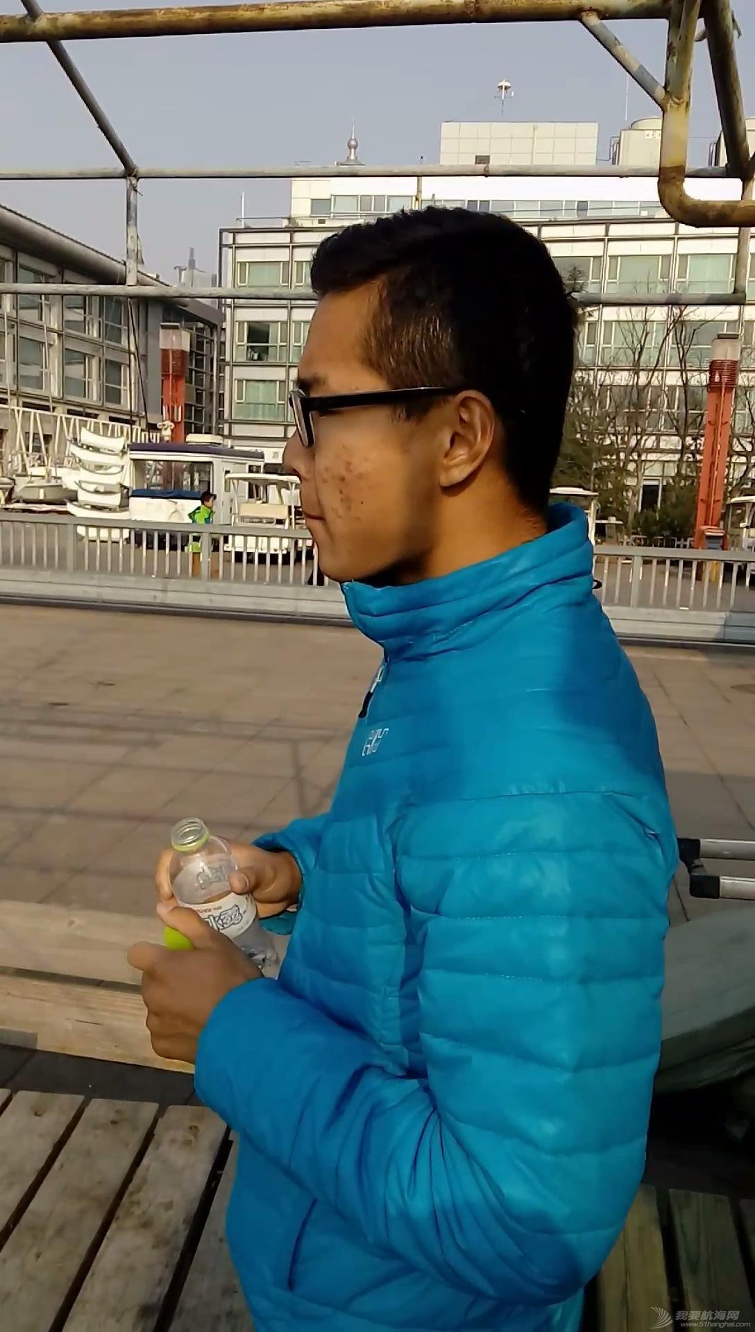 人民日报,体育生,天气,青岛 冬天新人出海啦 VID_20151219_134141_20151220212415.JPG