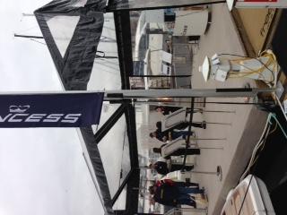 温哥华,国际 温哥华国际船展第一天! 销售现场