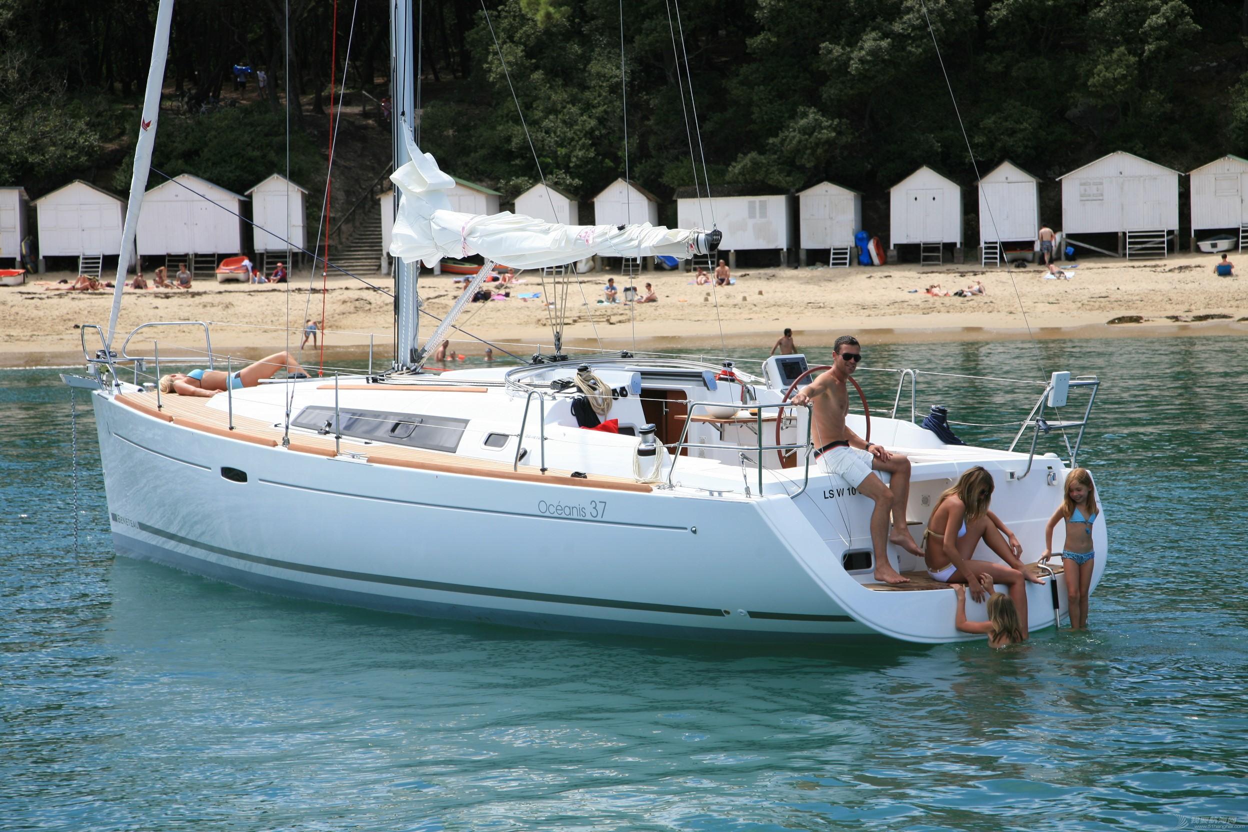 发动机,帆船,简历 Beneteau Oceanis 37博纳多遨享仕37英尺单体帆船 博纳多遨享仕37英尺单体帆船