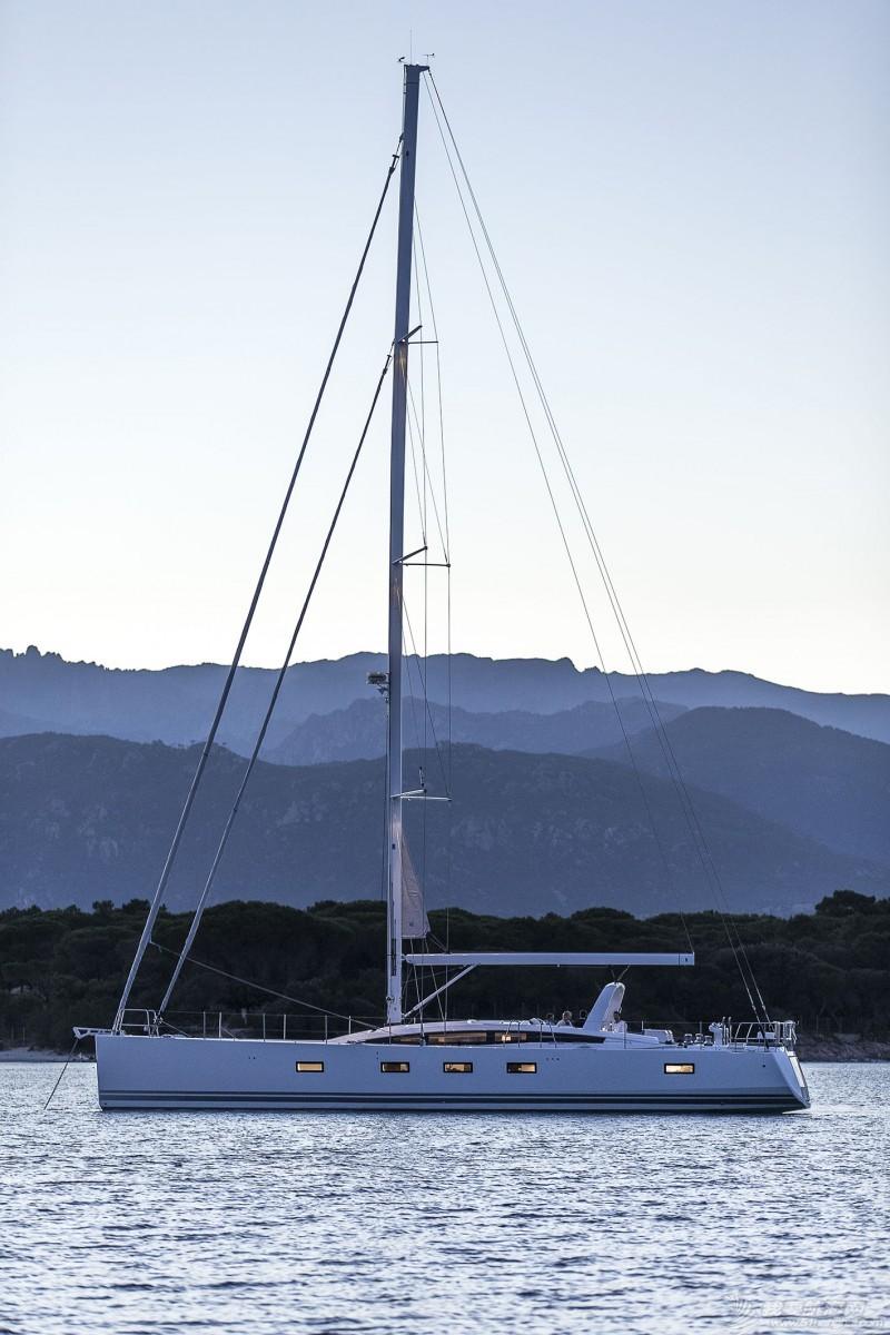 帆船 Jeanneau 64 亚诺64英尺单体帆船 boat-jeanneau-64_exterieur_201407181137580.jpg