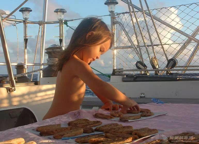 环游世界,生意兴隆,圣地亚哥,现实生活,忧郁症 带全家航海8年的海上疯妈 叶4.jpg