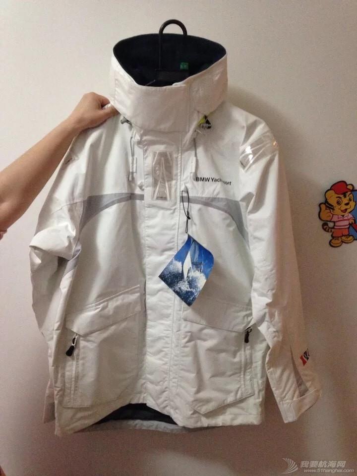 出一件航海服,全新带吊牌,身高175左右合适,寻有缘人 204738dqsqho93s9hydy9j.jpg