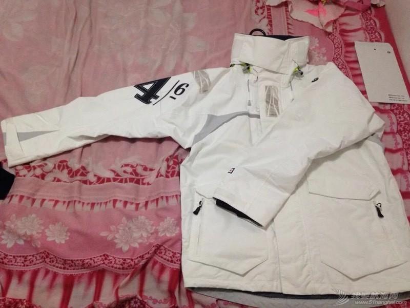 出一件航海服,全新带吊牌,身高175左右合适,寻有缘人 204739zekak14q9qe8kqh2.jpg