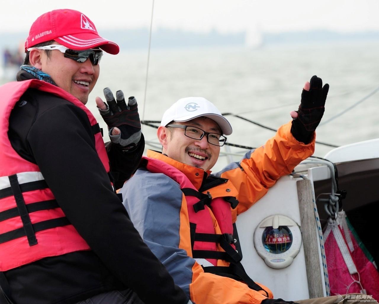 2016年上海国际游艇展慈善帆船赛点燃上海国际帆船港 fe225161267792e0e8997cdd62382d81.jpg
