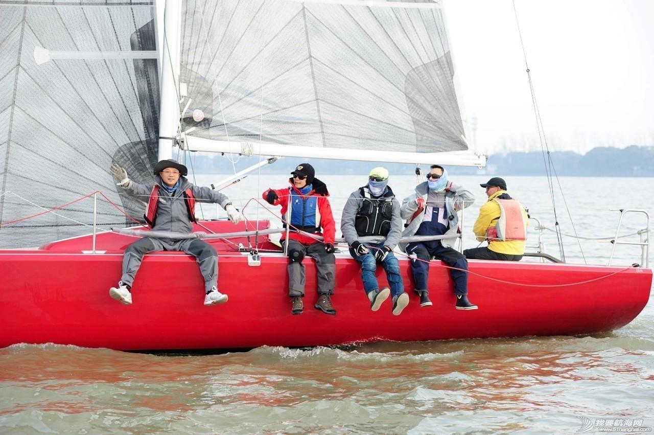 2016年上海国际游艇展慈善帆船赛点燃上海国际帆船港 da34332813297e8bccf4e8351c18747a.jpg