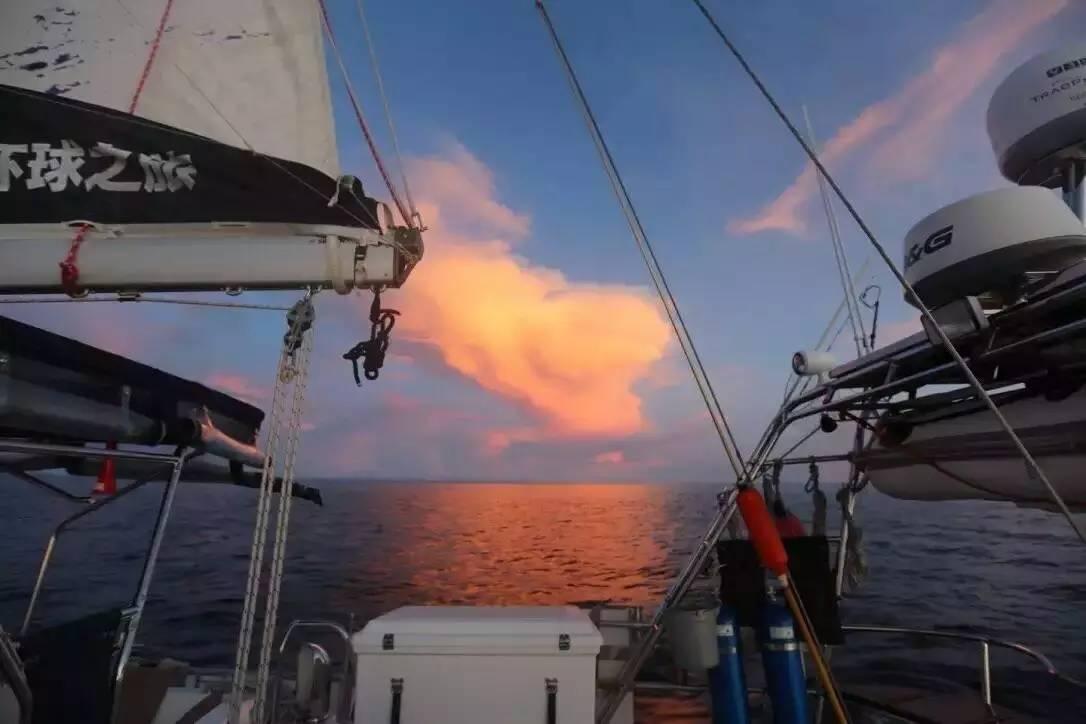 第二梦想号:帆船拖钓印度洋 e70c5c59349c1d035817f9be99b3c559.jpg