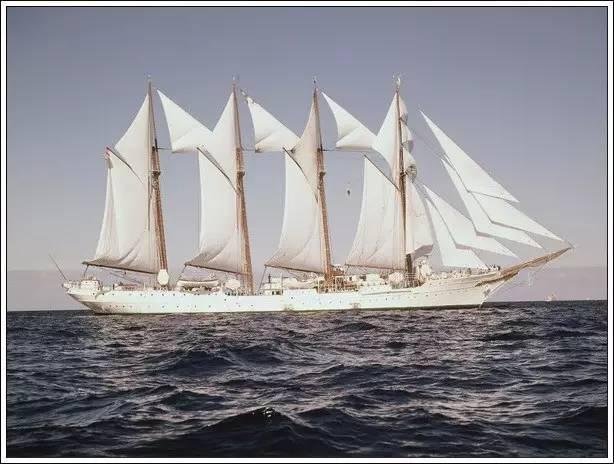 帆船美图欣赏,给你带来另一种美丽的海上世界 424a824a6613ba241148cc76a33cfb19.jpg