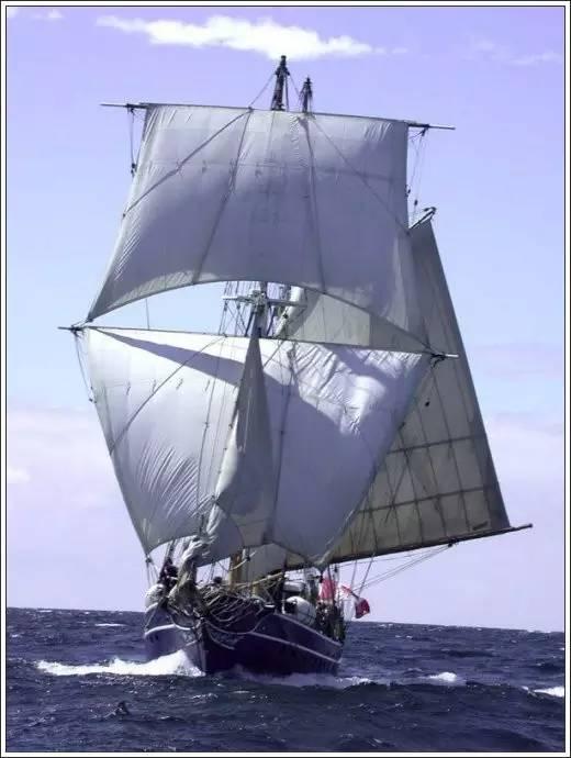 帆船美图欣赏,给你带来另一种美丽的海上世界 683951f67981eb49820970bced9b17d2.jpg