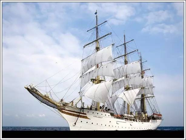 帆船美图欣赏,给你带来另一种美丽的海上世界 d8c55e5bcf8fcf2f523e7e61fcd930cf.jpg