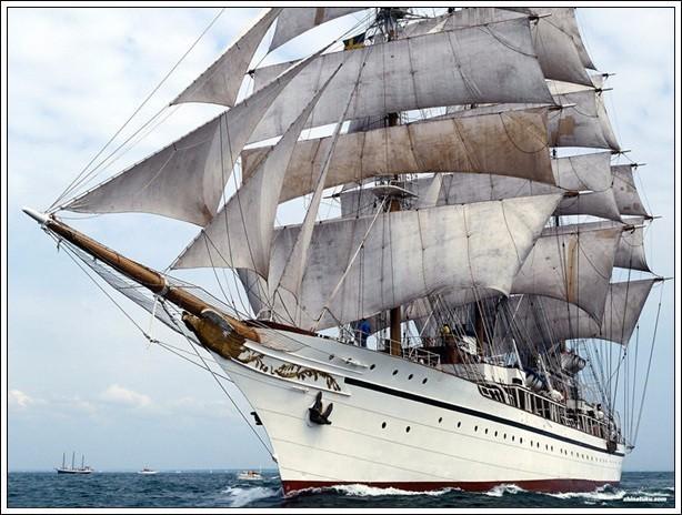 帆船美图欣赏,给你带来另一种美丽的海上世界 db3ab56a147e971e30ccd76369eb2f1f.jpg
