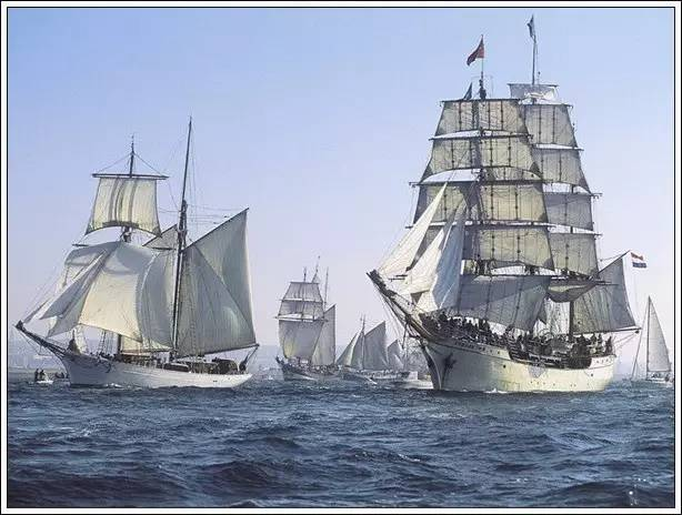 帆船美图欣赏,给你带来另一种美丽的海上世界 b1b1748be0e1c4ff442a8dacd1490fdf.jpg