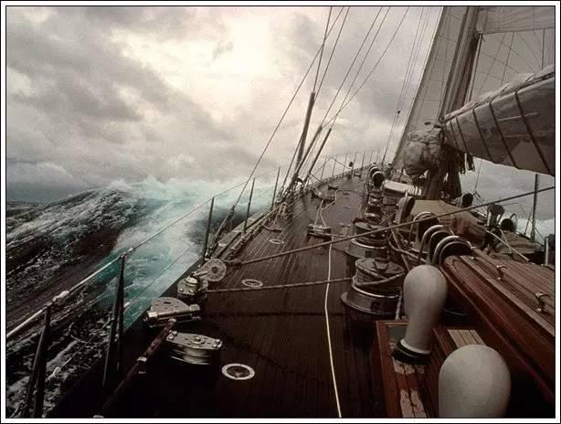 帆船美图欣赏,给你带来另一种美丽的海上世界 e4674138ccf2f617e5af84f4985051f7.jpg