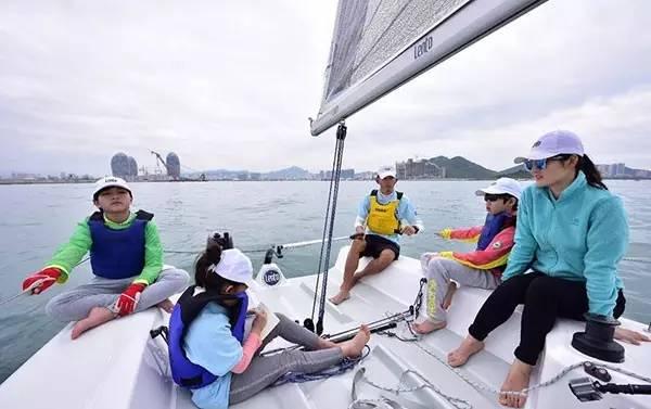 青岛崂山,夏令营,小朋友,漂流记,山东 帆船航海特色夏令营- 让智慧飞翔在海上 0354ca2463a4cc8152ad3b65dfd9c67c.jpg