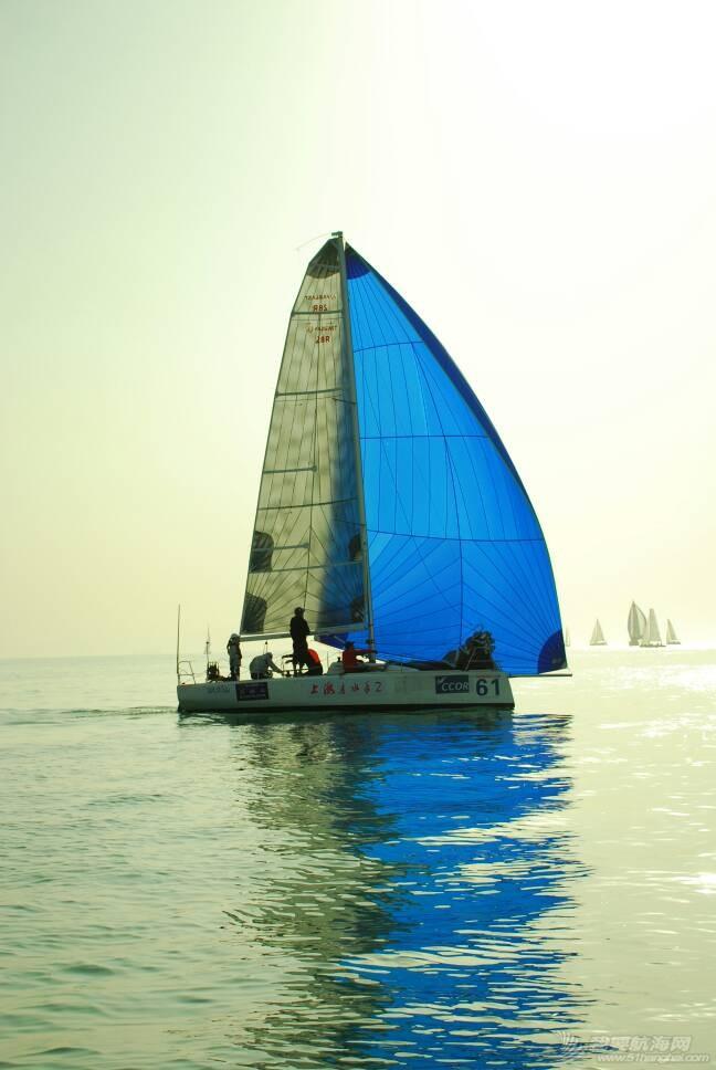 第七届2016青岛ccor帆船赛第一天的部分照片 202245ilt5z8va13quqtq5.jpg
