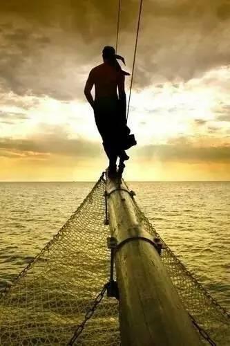 帆船航海夏令营- 坚持,彼岸有光 cb402dc1e79d19c92fd2d3421ab00912.jpg