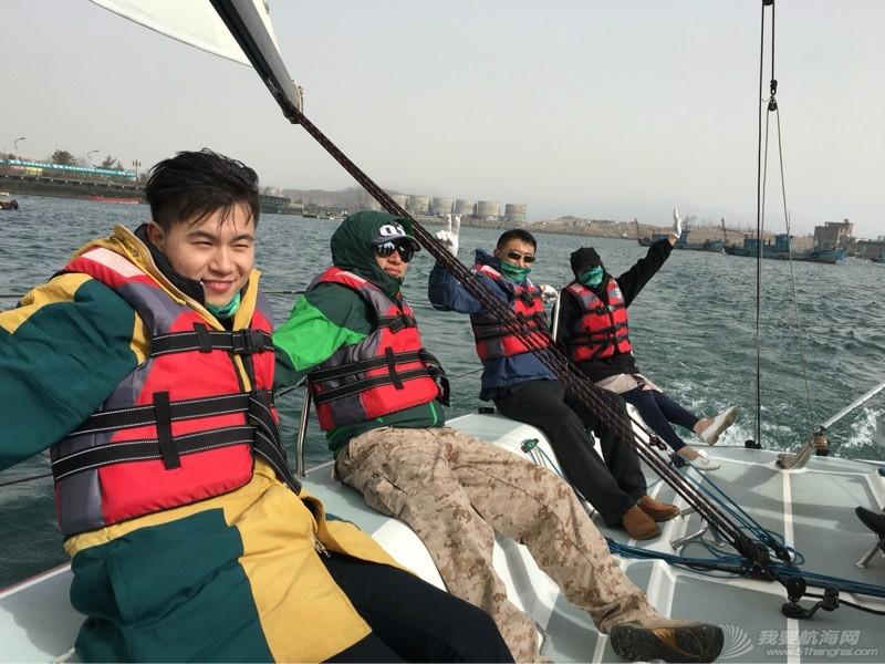 大连航海家游艇培训学校 165337k4hmshh7syud11m8.jpg
