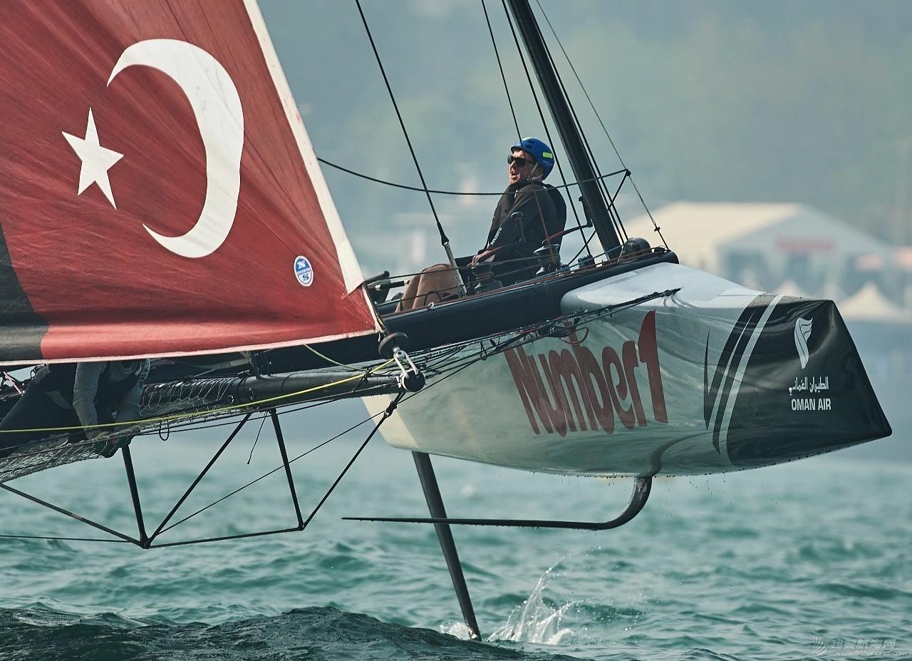 海上会飞,岸上也会玩,极限赛场上也有温馨时刻! b826b4f2db209251a38b83decd901dec.jpg