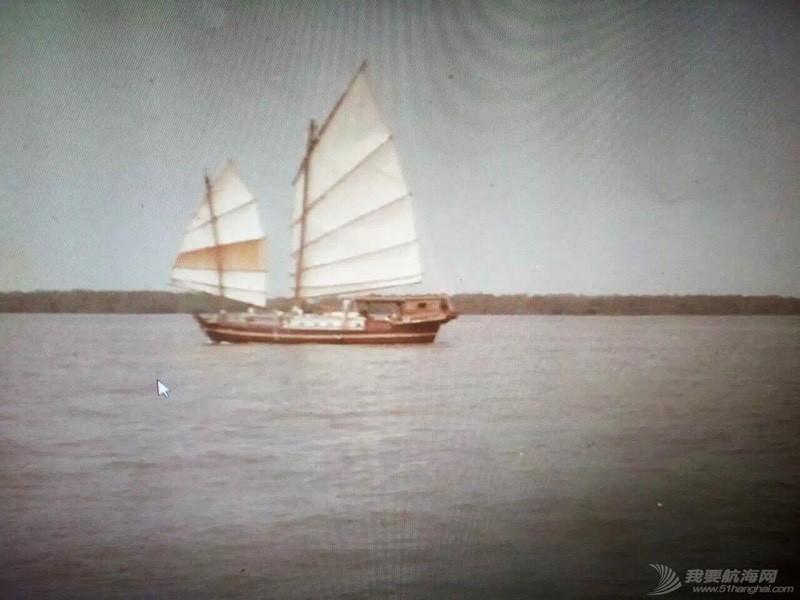中国人玩船也挺早的。 162656tn1k2jjktmkmf9ji.jpg