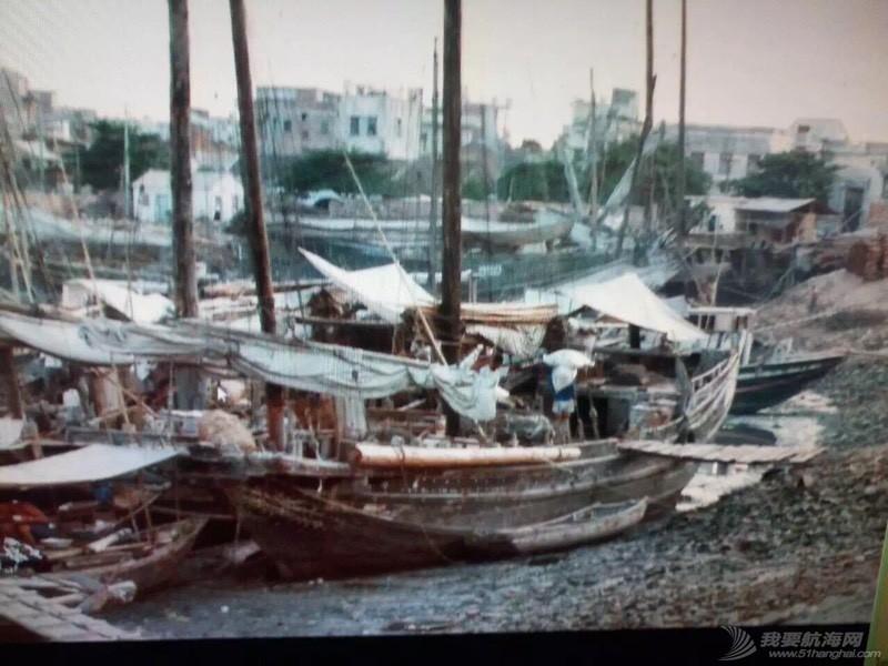 中国人玩船也挺早的。 162657ltrrtmk8t0e7mdg7.jpg