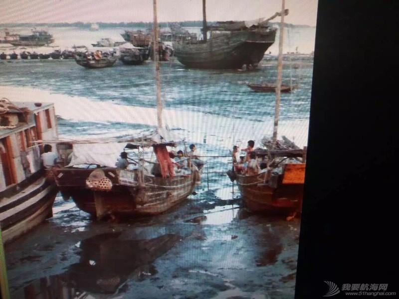 中国人玩船也挺早的。 162657qhnrd00dmb0n4u90.jpg