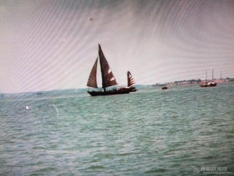 中国人玩船也挺早的。 162657zzqyuzyh5jab0x07.jpg