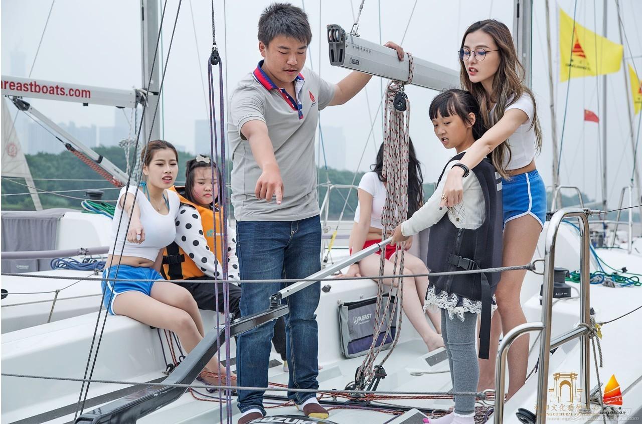 帆船体验日丨市民热情高涨体验湘江杯国际帆船赛所用帆船 dff49528949147738baa2bf63a3aaa73.jpg