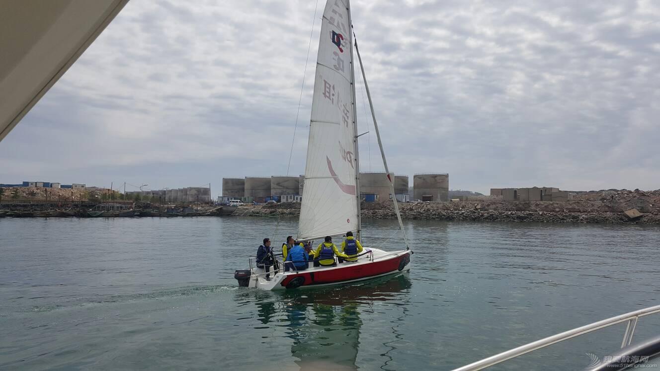 小平岛帆船比赛,万达什么公关杯,正好我们在这里学习 112411shp4yn8rhhr14bpn.jpg