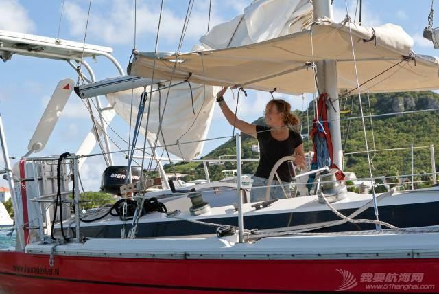 最年轻的单人环球航海者Laura Dekker-MINICAT充气式帆船代言人 ca1f814911cf3dba7806eaf4da9279c6.jpg
