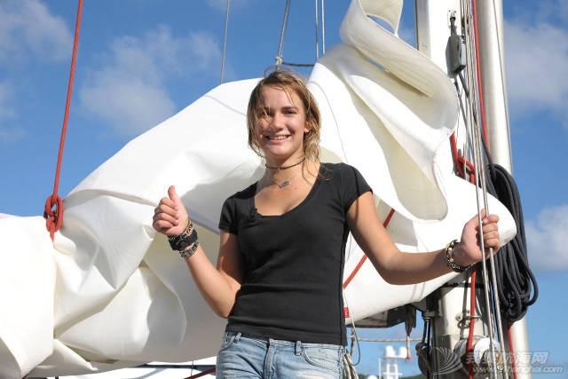 最年轻的单人环球航海者Laura Dekker-MINICAT充气式帆船代言人 5b52761d93323082b922954931393555.jpg